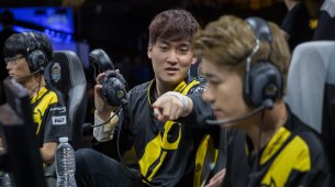 Team Dignitas land Buffalo Wings brand partnership